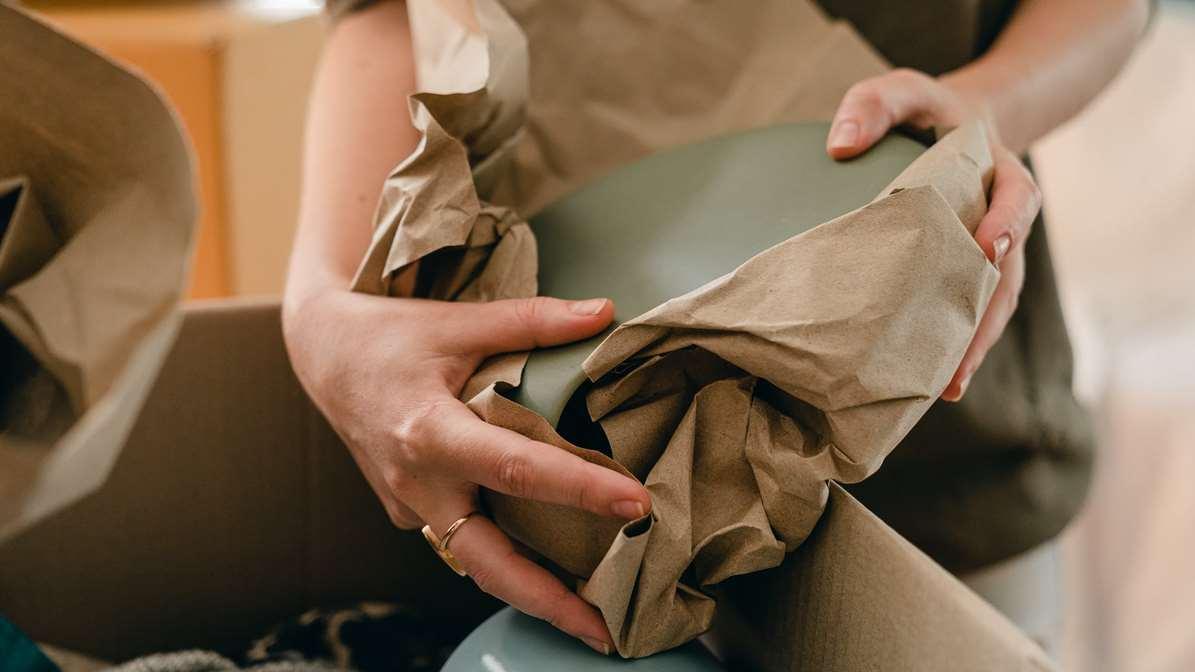 pakowanie opakowania dla kuriera przesyłki kurierskie